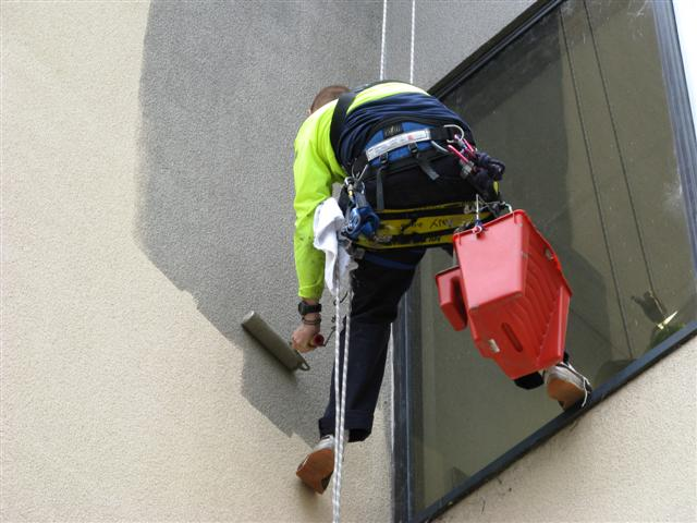 High Rise Painting by Abseiling Saves Money!